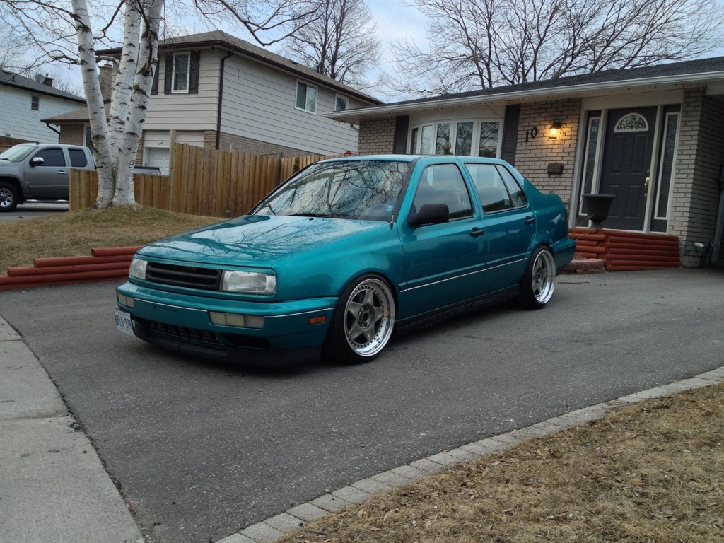 slammed vw jetta 1 8t with Jay C Bells 1993 Volkswagen Jetta 1 8t on Mk4 Jetta additionally Dynamicstance wordpress besides Photo 01 likewise Exterior 46018912 together with Photo 01.
